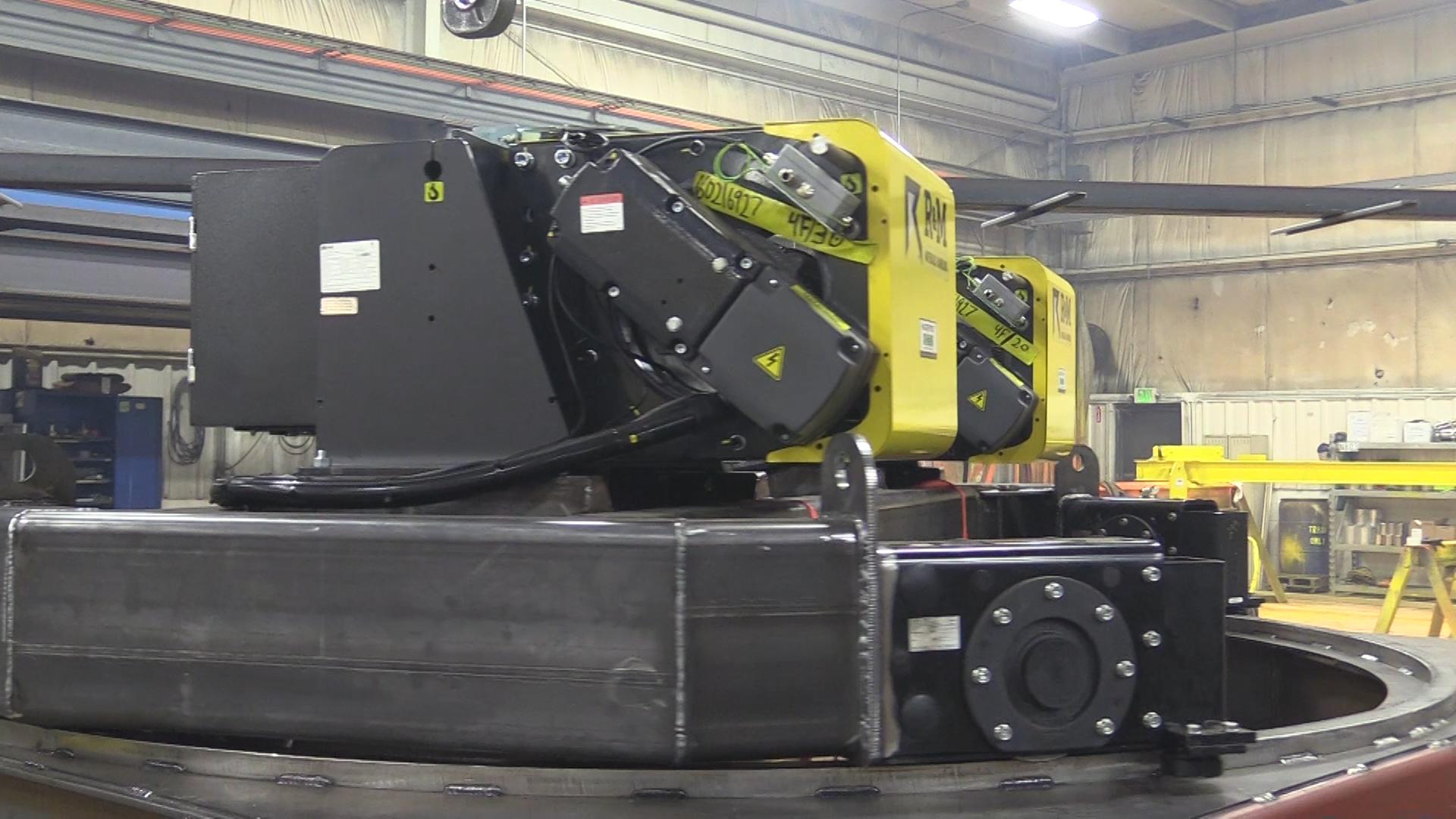 (VIDEO) A Hoosier Crane Innovative Crane Project In Progress